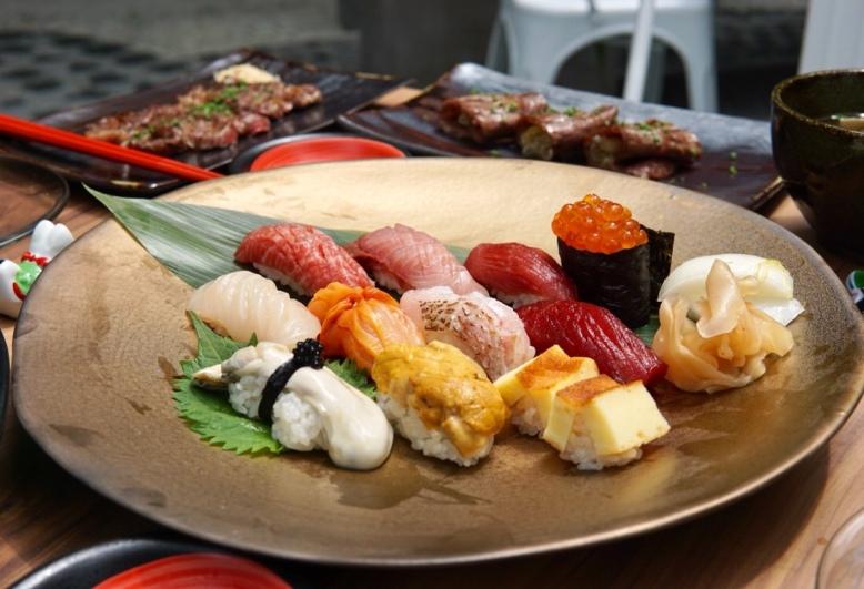 Cast Iron Sushi Platter (Large)