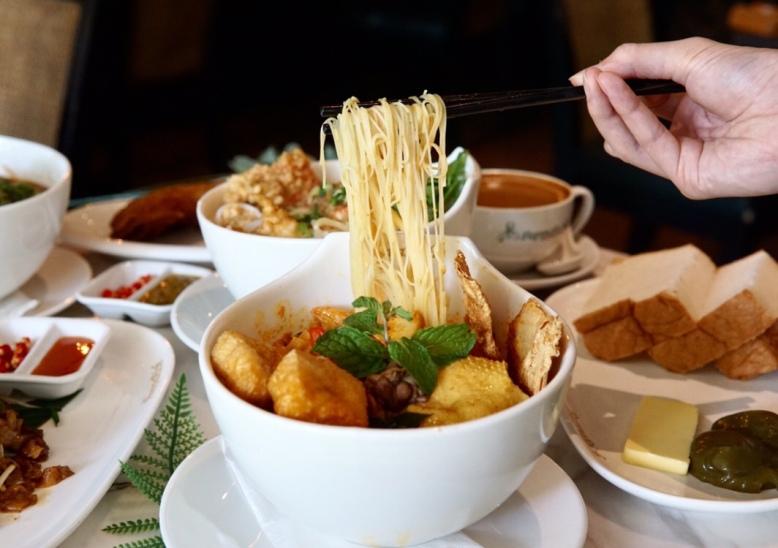 PappaRich Chicken Curry Laksa