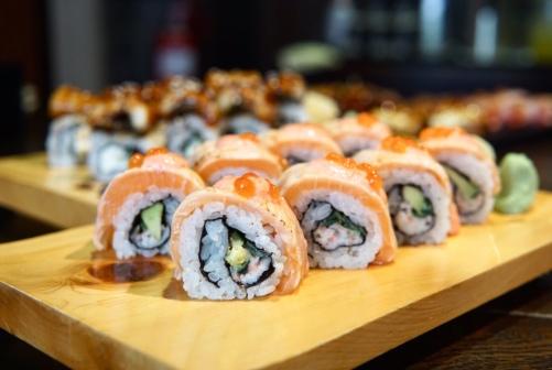 Sumire Aburi Salmon Mentai Mayo Roll