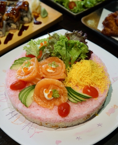 Sumire Sushi Cake